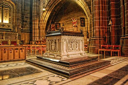 War Memorial Chapel. Photo credit: flickr.com/8mm & Other Stuff