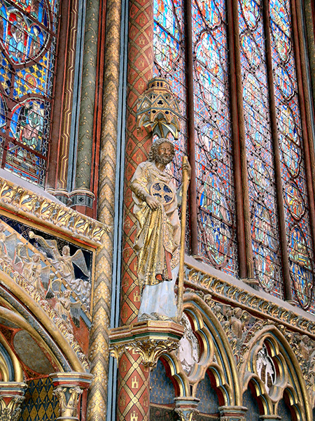 The twelve apostles are positioned on the colonettes of Sainte-Chappelle in Paris, France. Photo: frompariswithloveblog.wordpress.com