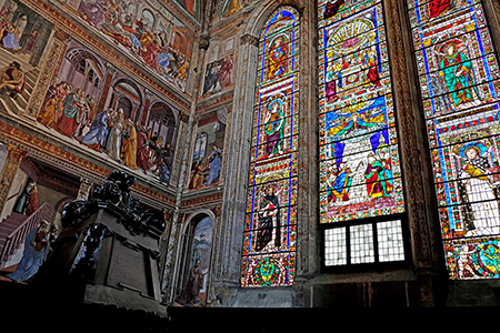 """The """"window wall"""" of the Tornabuoni Chapel in Santa Maria Novella, Florence. Frescos and stained glass by Domenic Ghirlandaio, 1485-1490. Photo: Author"""