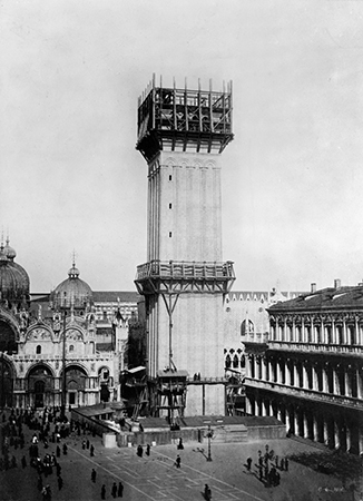 Reconstruction of the campanile, 1911. Photo: Library of Congress