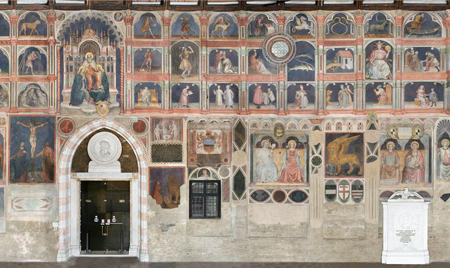 Images of the zodiac appear next to apostles and saints in the Salone of the Palazzo della Ragione in Padua. Originally completed by Giotto, the fresco cycle was repainted by Niccolò Miretto and Stefano da Ferrara following a fire in 1420. Photo credit: luoghigiottoitalia.it