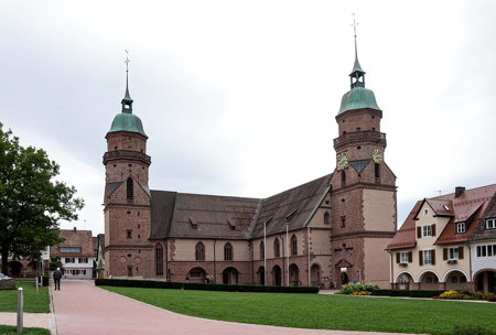 The L-shaped church in Freudenstadt occupies one corner of the town's main square. Photo credit: wikimedia.org/joergens.mi